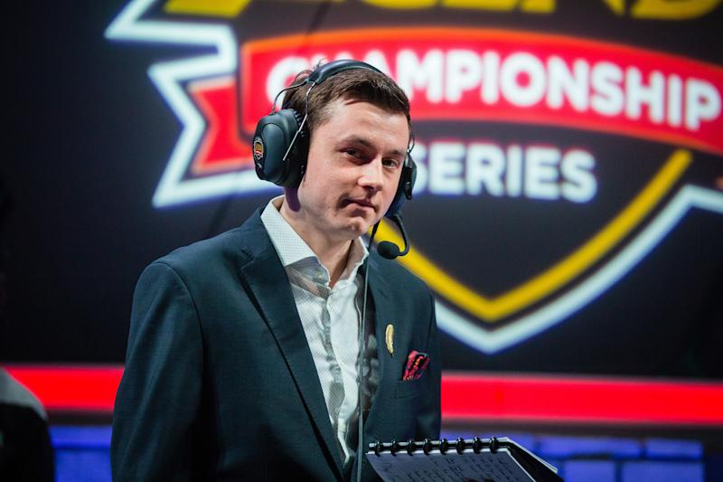 NicoThePico won't be handling Fnatic's drafts anymore (Lolesports/Riot Games)