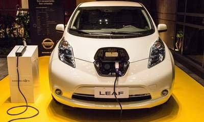Electric Cars: Charging Points To Boost Sales