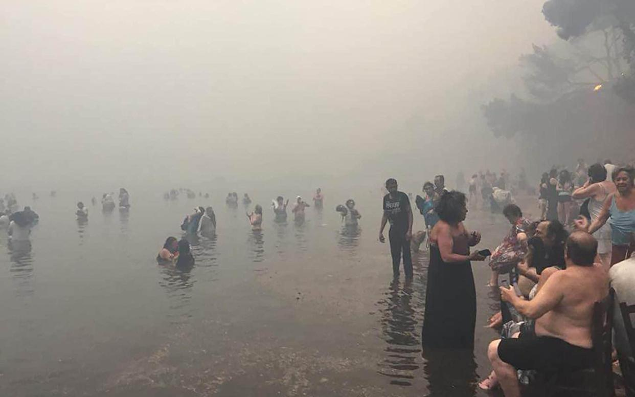 Dozens of people flee to the beach in Matiq - BLITZ PICTURES +447831507156