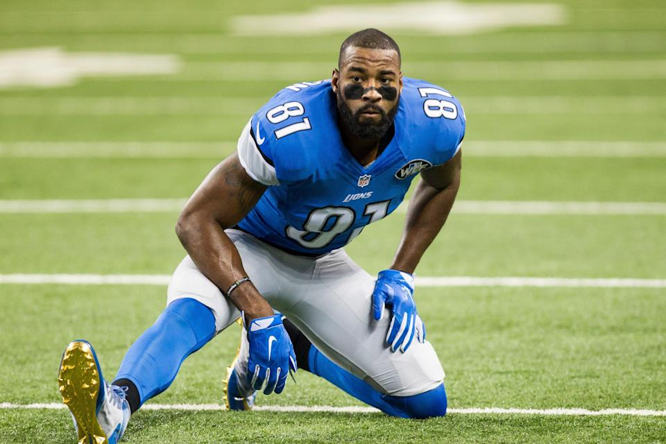 27 DECEMBER 2015: Detroit Lions wide receiver Calvin Johnson (81) stretches prior to the start of the game between the San Francisco 49ers and the Detroit Lions during a regular season game played at Ford Field in Detroit, Michigan. (Photo by Scott W. Grau/Icon Sportswire) (Photo by Scott W. Grau/Icon Sportswire/Corbis via Getty Images)
