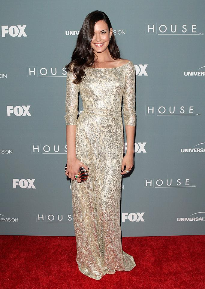 "Odette Annable is undoubtedly one of this week's best-dressed celebs. The actress -- who portrays Dr. Jessica Adams on the final season of ""House"" -- sparkled as she made her way into the show's wrap party in a gold David Meister gown. Va-va-voom! (4/20/2012)"