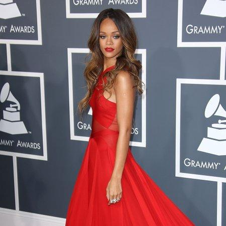 Rihanna rocks 'urban couture' costume
