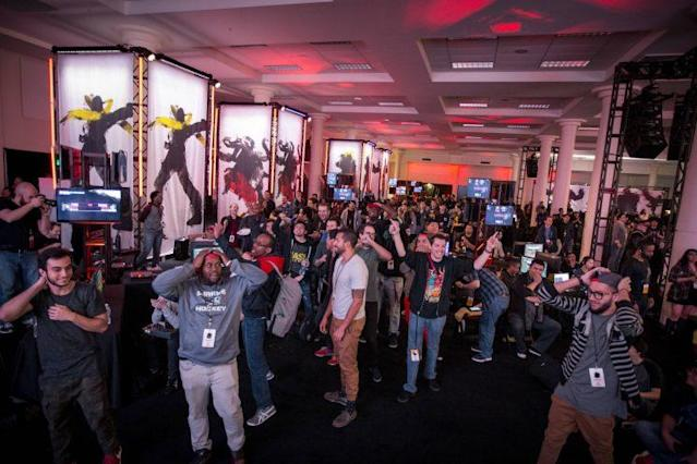 """The crowd reacts to Victor """"Punk"""" Woodley beating Tokido (Red Bull)"""