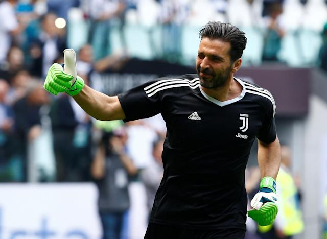 Soccer Football - Serie A - Juventus vs Hellas Verona - Allianz Stadium, Turin, Italy - May 19, 2018 Juventus' Gianluigi Buffon gestures to fans during the warm up before the match REUTERS/Stefano Rellandini TPX IMAGES OF THE DAY