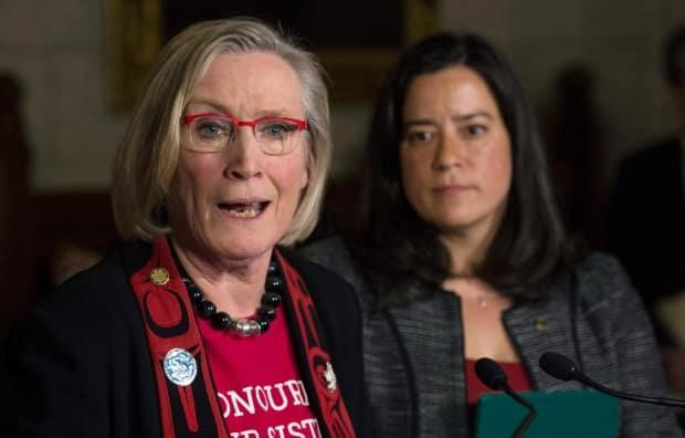 Former minister of justice and attorney general of Canada Jody Wilson-Raybould and then minister of Indigenous and Northern Affairs Carolyn Bennett. (Adrian Wyld/Canadian Press - image credit)