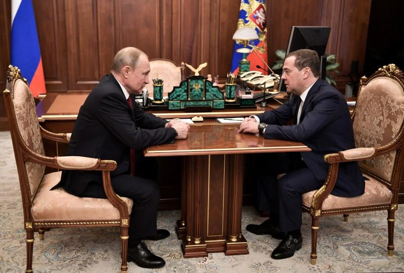 Russian President Vladimir Putin meets with Prime Minister Dmitry Medvedev in Moscow
