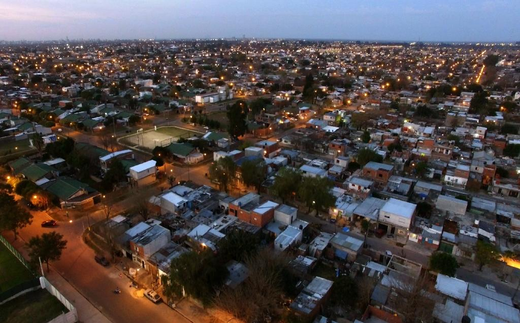La Granada slum is located next to the venue where Lionel Messi and Antonella Roccuzzo will wed on June 30, in their hometown of Rosario, Argentina (AFP Photo/STR)
