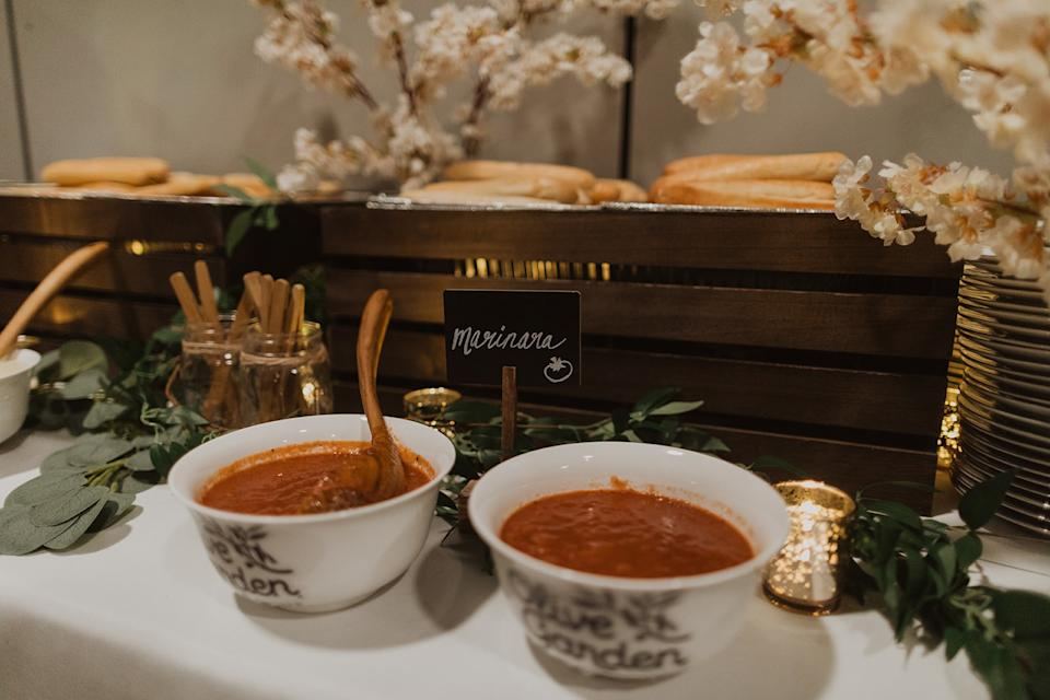 This Couple Had An Olive Garden Themed Wedding And The Pictures Are Incredible