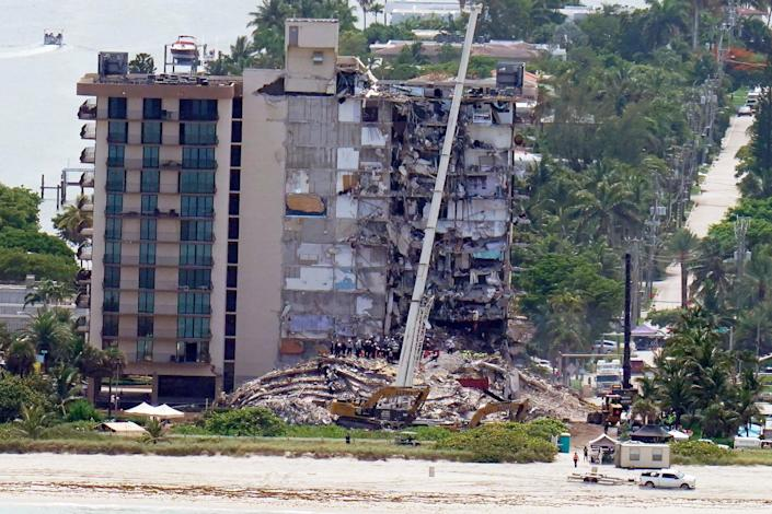 Building Collapse Miami (Copyright 2021 The Associated Press. All rights reserved.)