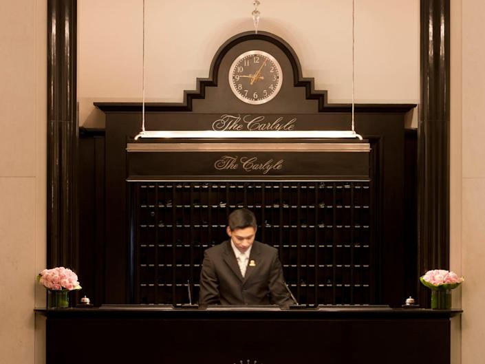 Carlyle Hotel - front desk