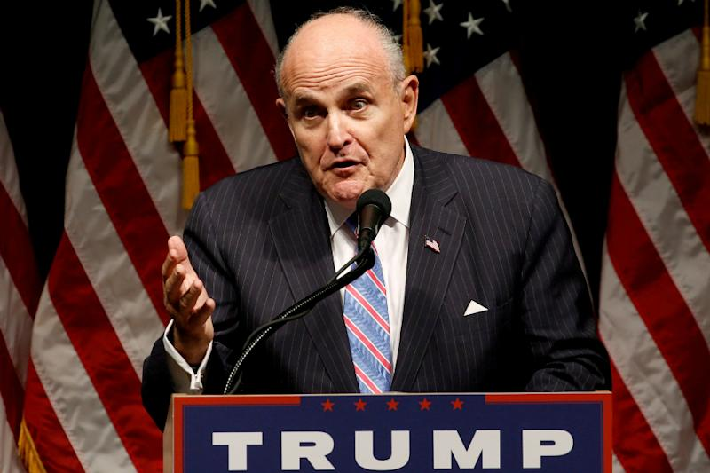 A Great Big Gift Not on Trump's Disclosure Form: Giuliani's Legal Advice