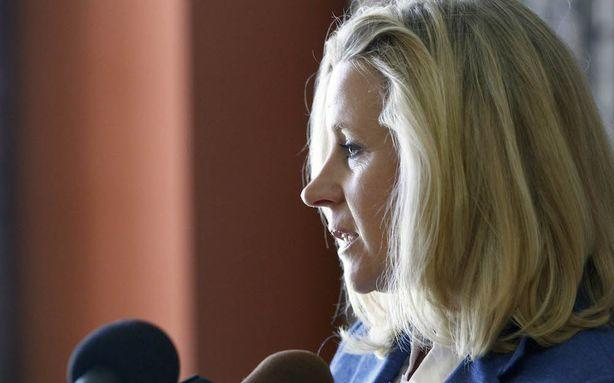 Cheney Sisters Take Their Gay Marriage Fight to Facebook