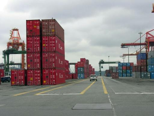 Canada posts February trade deficit