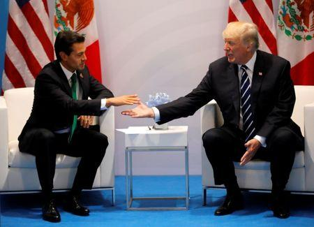 US, Mexican officials play nice as Donald Trump doubles down on wall