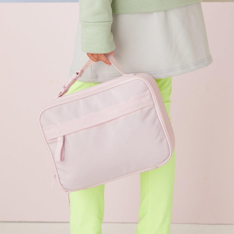 """Germs and bacteria are no match for this lunch bag from popstar Ciara's Dare to Roam line. It's made with an antimicrobial nylon shell, ethically made, and even available in an equally chic matching <a href=""""https://cna.st/affiliate-link/C8EegXATZVgVkWbY9aESV1eroZZpcDm4PFUPComWCgX8RMk4pF4FiD9wnRwyDYe8QG69QH7rn9BrVPVmKRrGvw49z4fTSQ9oyYXepBhmutWCNGin?cid=61113e028204581e73d062fc"""" rel=""""nofollow noopener"""" target=""""_blank"""" data-ylk=""""slk:backpack"""" class=""""link rapid-noclick-resp"""">backpack</a>. $42, Dare to Roam. <a href=""""https://daretoroam.com/products/keeper-lunchbox"""" rel=""""nofollow noopener"""" target=""""_blank"""" data-ylk=""""slk:Get it now!"""" class=""""link rapid-noclick-resp"""">Get it now!</a>"""