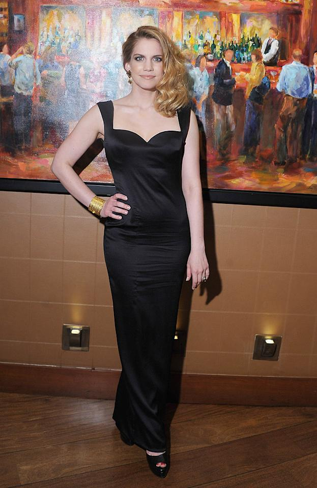 """Following in Julia's footsteps was fellow """"Veep"""" star, Anna Chlumsky, who delivered some drama in a vintage Versace gown, House of Lavande cuff, and Walter Steiger platform peep-toes. The 31-year-old actress has certainly grown up since breaking into the biz in 1991's """"My Girl."""" (4/10/2012)<br><br><a target=""""_blank"""" href=""""http://bit.ly/lifeontheMlist"""">Follow 2 Hot 2 Handle creator, Matt Whitfield, on Twitter!</a>"""