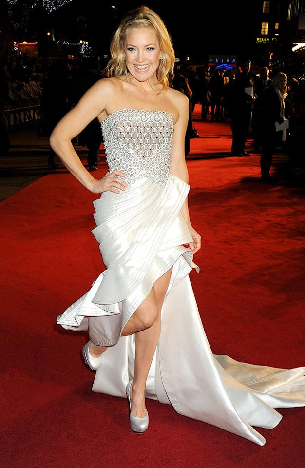 "Kate Hudson simply glowed in a strapless Atelier Versace gown at the London debut of her new flick, ""Nine."" Dave M. Benett/<a href=""http://www.gettyimages.com/"" target=""new"">GettyImages.com</a> - December 3, 2009"