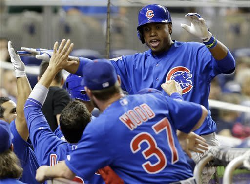 Valbuena's home run lifts Cubs to a win