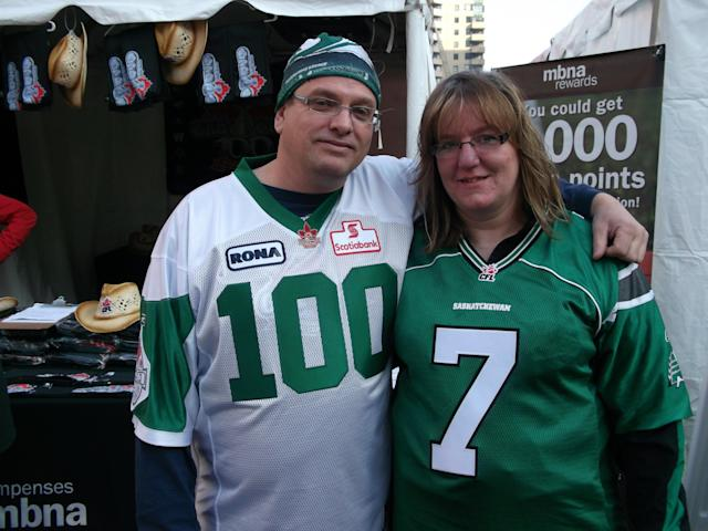 Friends and Saskatchewan Roughriders fans Trevor Stoddard (left) and Stacey Burden (right). (Yahoo! Canada Sports/Dustin Pollack)