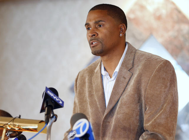 Former NBA player Eric Murdock won a wrongful termination lawsuit against Rutgers University in 2016. (AP)