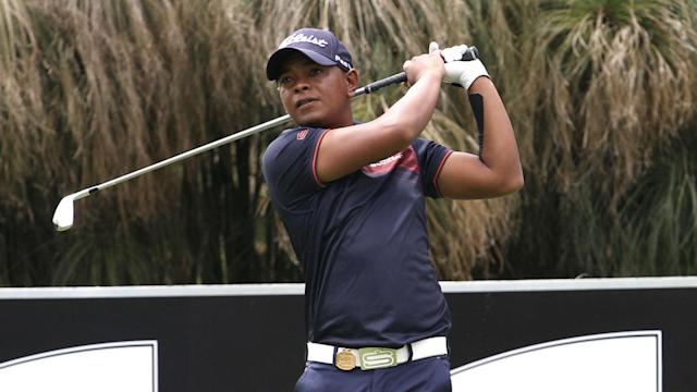 After carding nine birdies on the opening day of the Joburg Open, Keenan Davidse holds a one-shot lead at the Randpark Golf Club.