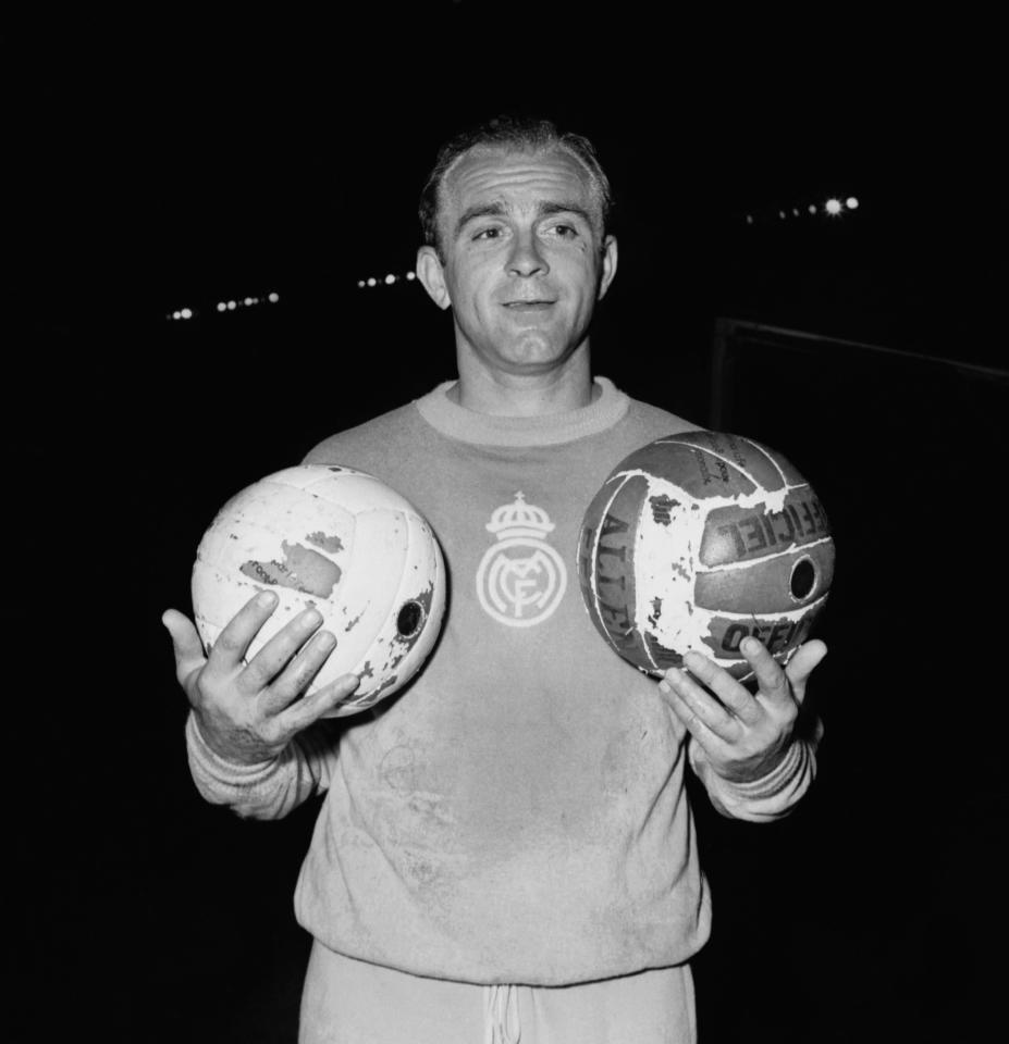 A picture taken on June 12, 1956 shows Argentinian-born Spanish forward Alfredo Di Stefano in Paris (AFP Photo/)