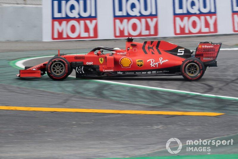 "Sebastian Vettel, Ferrari SF90, has a spin<span class=""copyright"">Simon Galloway / Motorsport Images</span>"