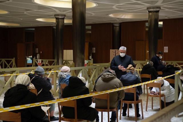 Vatican starts vaccinating Rome's homeless against COVID-19
