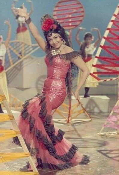 Helen's famous cabaret outfit in Teesri Manzil.