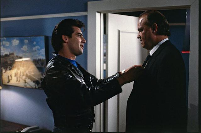 Ken Wahl as Vinnie Terranova and guest star Fred Thompson in 'Wiseguy.' (Photo: CBS Photo Archive/Getty Images)