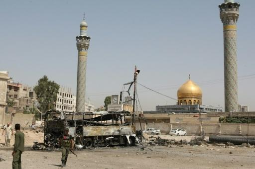 Syria bombs 'kill 45' near Shiite shrine