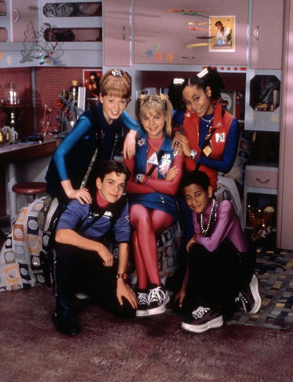 "<h1 class=""title"">ZENON: GIRL OF THE 21ST CENTURY, (Top) Danielle Fraser, Kirsten Storms, Raven-Symone, (Bottom) Neil</h1> <cite class=""credit"">Walt Disney/ Courtesy: Everett Collection</cite>"
