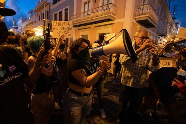PHOTO: Feminist protest in front of the Governor residence in order to protest and demand justice for the most recent feminiced against Keishla Rodríguez and Andrea Ruiz Costas. (Photo by Alejandro Granadillo/NurPhoto via Getty Images) (Alejandro Granadillo/NurPhoto via Getty Images)
