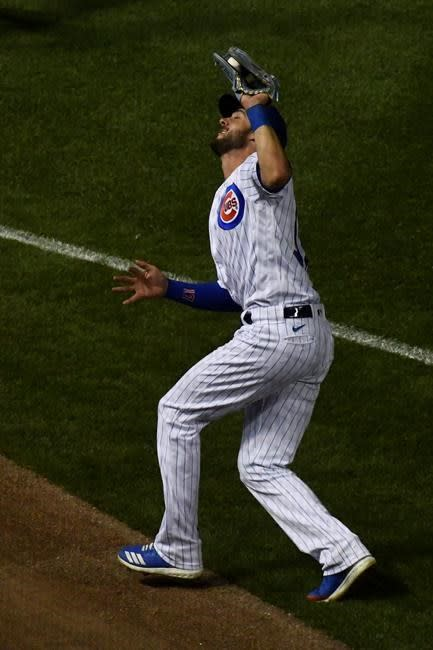 Cubs 3B Kris Bryant goes on IL with finger injury
