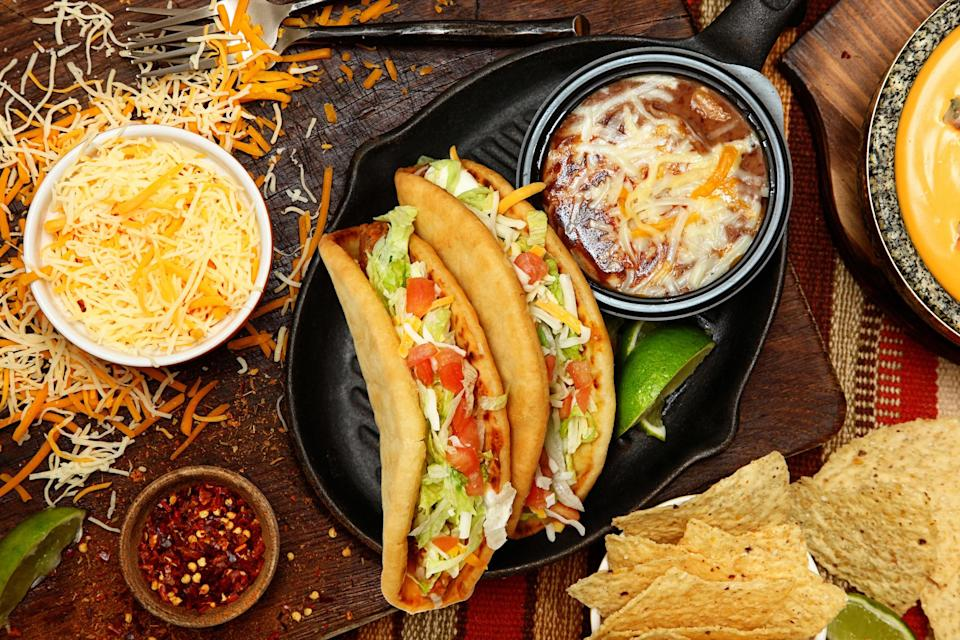 """<div><p>""""Chalupas are from a specific state called Puebla. They're not a national dish, and they don't look like tacos at all and they're also not hard. I hate it. That's wrong. That's really wrong.""""</p></div><span> Photoeuphoria / Getty Images/iStockphoto</span>"""