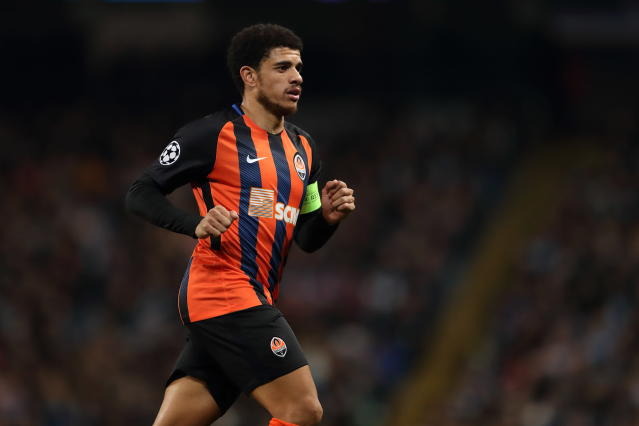MANCHESTER, ENGLAND - NOVEMBER 07: Taison of Shakhtar Donetsk during the Group F match of the UEFA Champions League between Manchester City and FC Shakhtar Donetsk at Etihad Stadium on November 7, 2018 in Manchester, United Kingdom. (Photo by James Williamson - AMA/Getty Images)