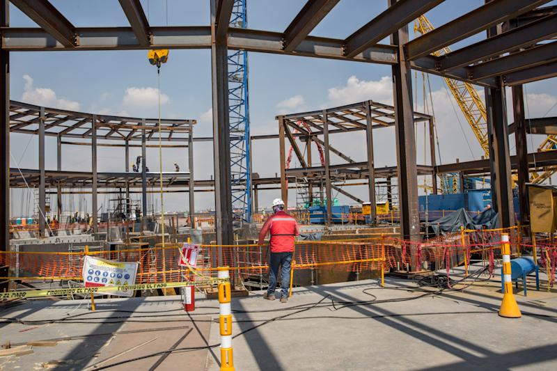 Mexico Airport Vote Leads JPMorgan and Itau to Predict Rate Hike