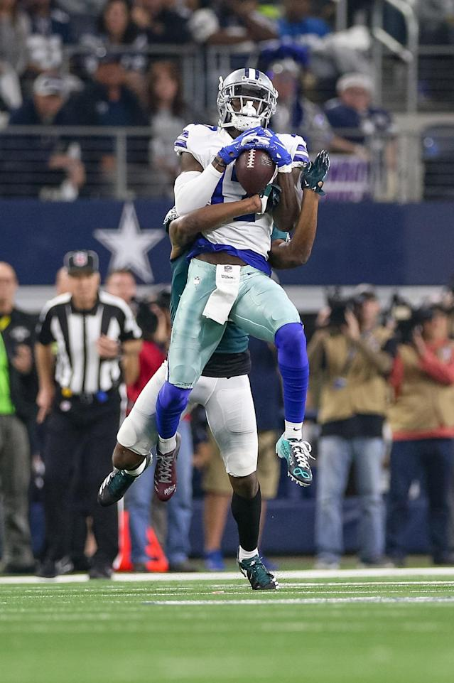 <p>Dallas Cowboys Wide Receiver Allen Hurns (17) makes a reception during the game between the Philadelphia Eagles and Dallas Cowboys on December 9, 2018 at AT&T Stadium in Arlington, TX. (Photo by Andrew Dieb/Icon Sportswire) </p>