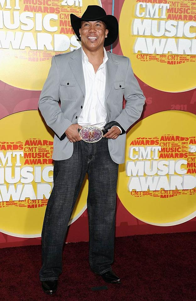 "Fresh off his ""Dancing With the Stars"" win, Pittsburgh Steeler Hines Ward stayed in the spotlight on the red carpet, where he got into the country spirit with a cowboy hat and flashy belt buckle. Mike Coppola/<a href=""http://www.wireimage.com"" target=""new"">WireImage.com</a> - June 8, 2011"