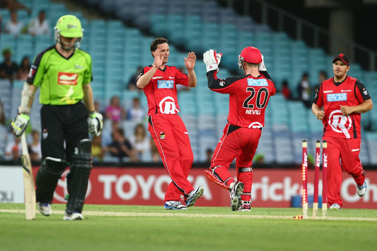 SYDNEY, AUSTRALIA - DECEMBER 14:  Aaron O'Brien of the Renegades celebrates with Peter Nevill of the Renegades after taking a wicket during the Big Bash League match between the Sydney Thunder and the Melbourne Renegades at ANZ Stadium on December 14, 2012 in Sydney, Australia.  (Photo by Mark Kolbe/Getty Images)