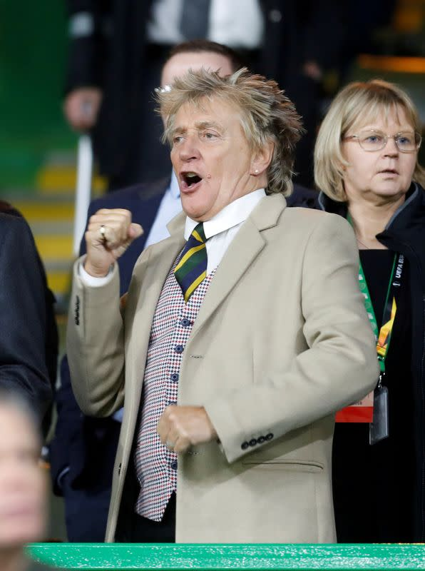 Rod Stewart, son face charges over New Year's Eve fracas in Florida
