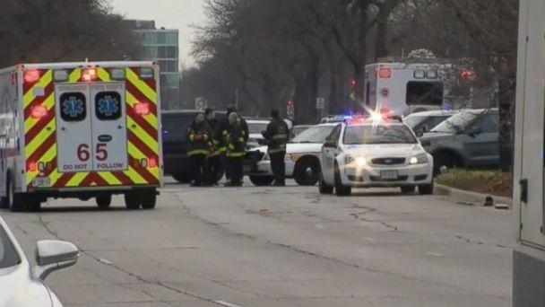 PHOTO: A Chicago police officer and several other people were wounded after a shooting attack at Mercy Hospital in Chicago, Nov. 19, 2018. (WBBM)