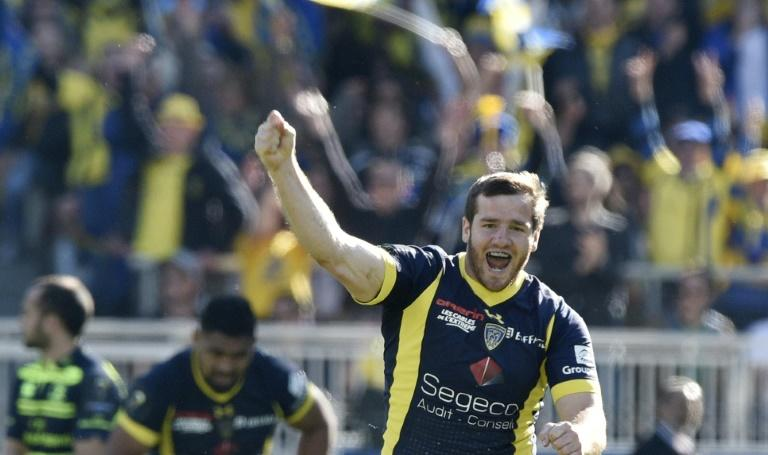 Clermont's fly-half Camille Lopez scored two key drop kicks against Leinster