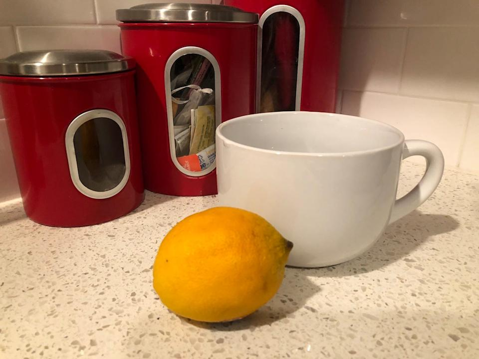 "I would recommend hot lemon water to anyone who's interested in trying it.<br> <p class=""copyright"">Holly Smith</p>"