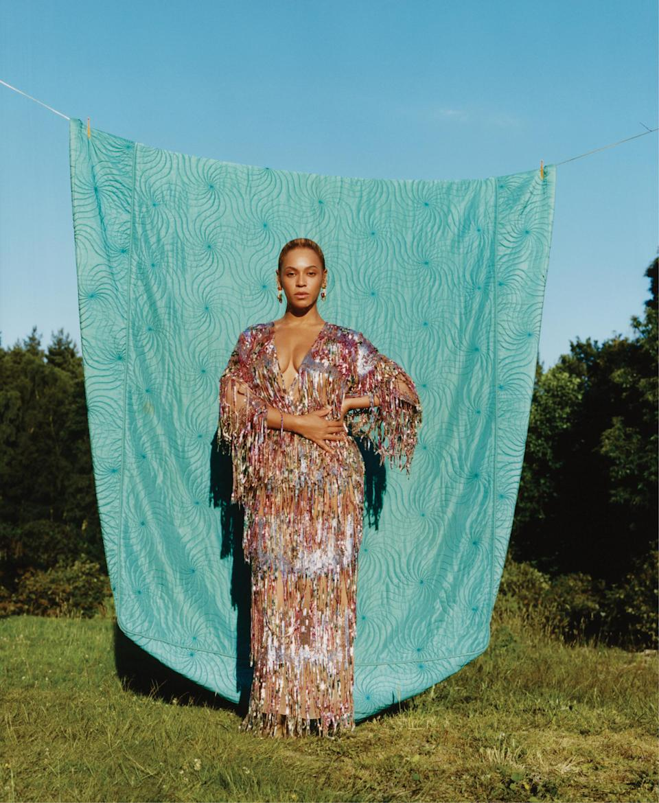 Beyoncé posed for photographer Tyler Mitchell for the September issue of <em>Vogue</em>. (Photo: Tyler Mitchell/Vogue)
