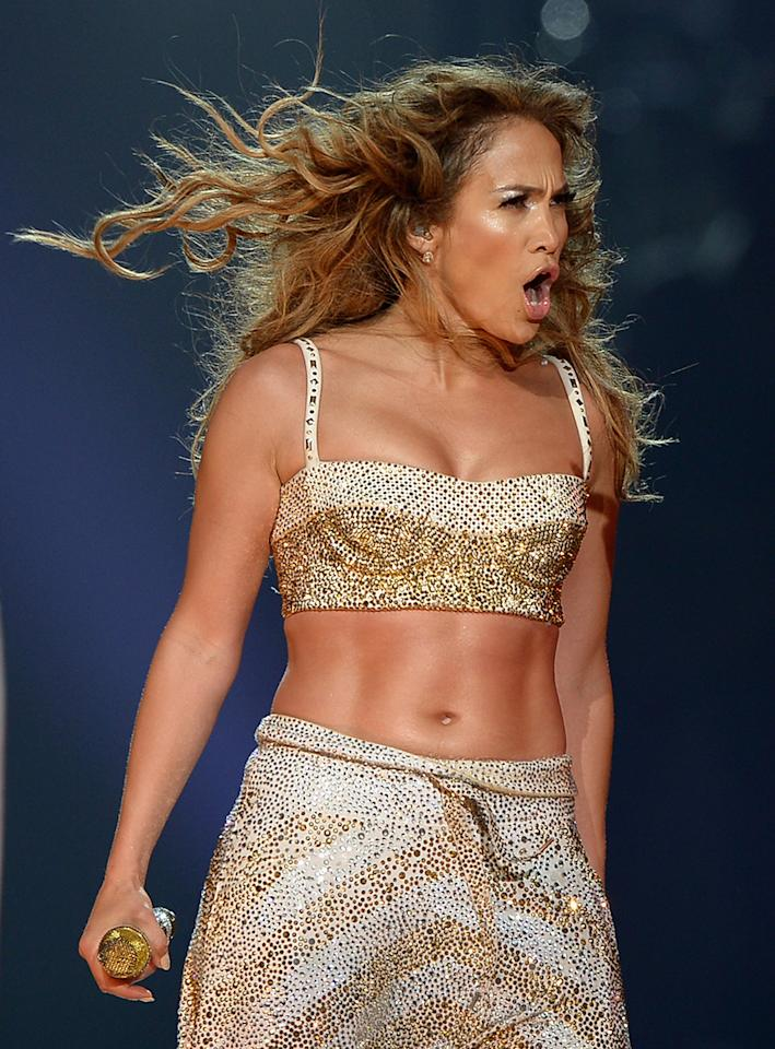 Jennifer Lopez toned up her abs with the help of trainer Tracy Anderson, who relies on sets of 50 crunches.