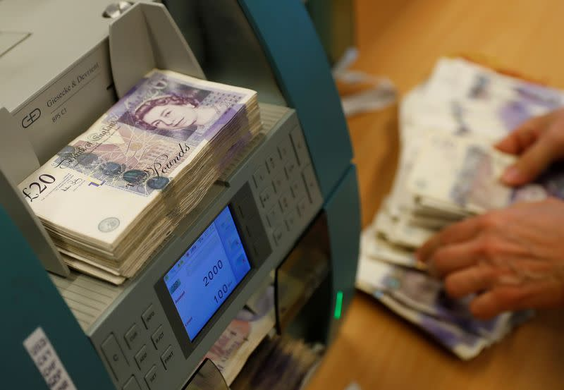 300 billion pounds of new UK bonds on the way: primary dealers