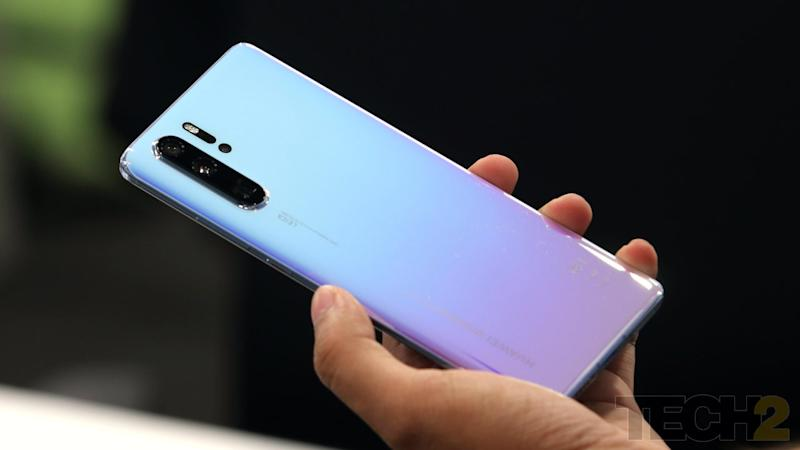 Huawei's future smartphones and laptops can not support an SD or microSD card