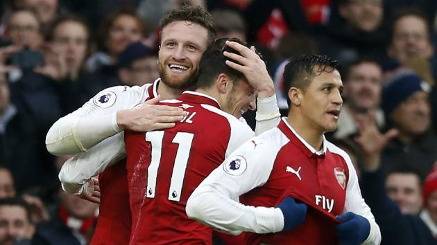 <p>Arsenal players declare 'North London is red' as Ozil celebrates Spurs win with a selfie</p>