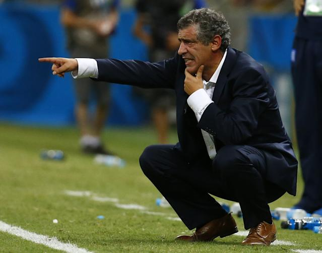 Greece's coach Santos gestures during the 2014 World Cup Group C soccer match against Ivory Coast at the Castelao arena in Fortaleza